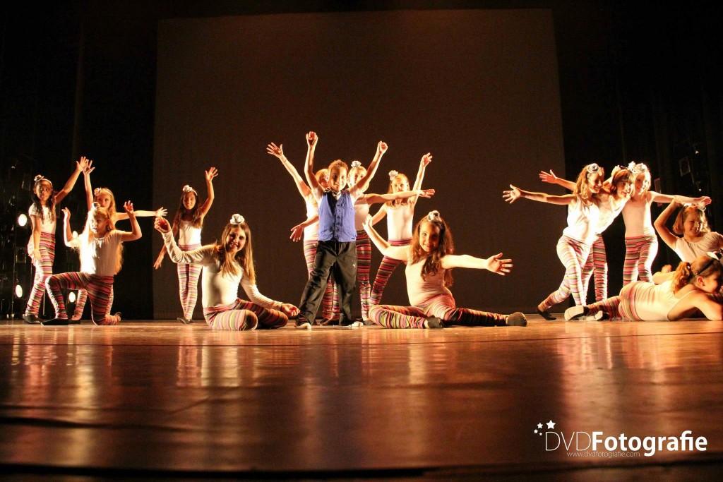 Jazzdance 8-9 jaar. Foto: Dion van Drom